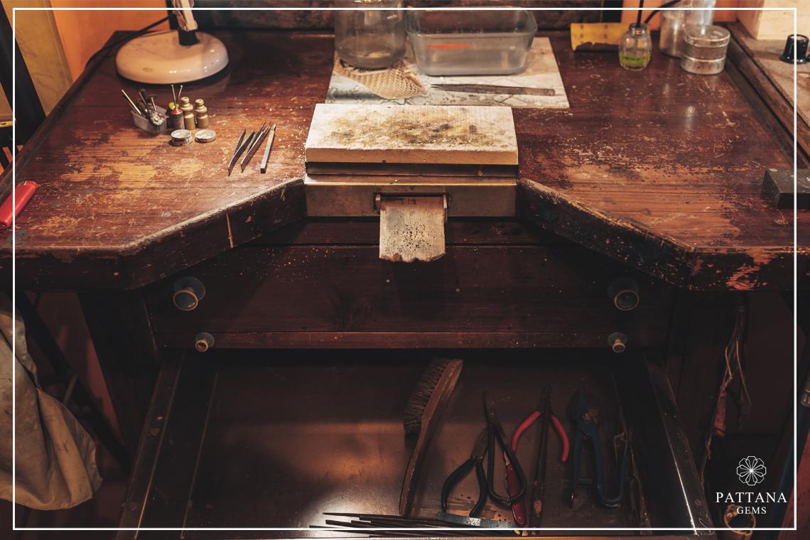 จุดเริ่มต้นของ ร้านเพชร Pattana Gems
