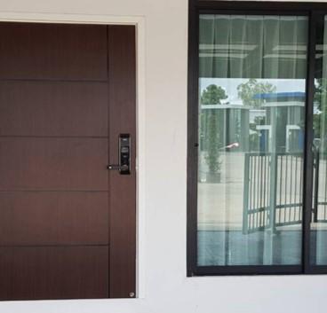 ประตูUPVCสำหรับบานประตูหน้าบ้าน ห้องนอนและห้องน้ำ โครงการกาญศิริ
