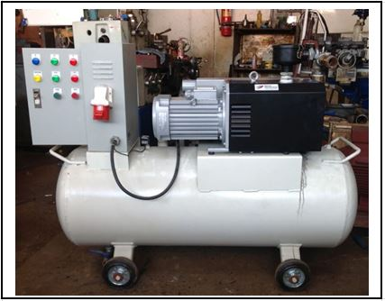 Simplex vacuum pump