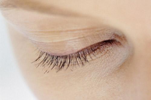 8 ข้อผิดพลาด กับการใช้ครีมบำรุงรอบดวงตา