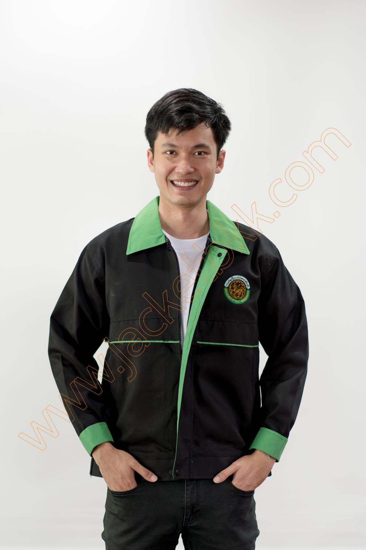 เสื้อแจ็คเก็ตผ้าคอมทวิวสีดำ ปกสีเขียว