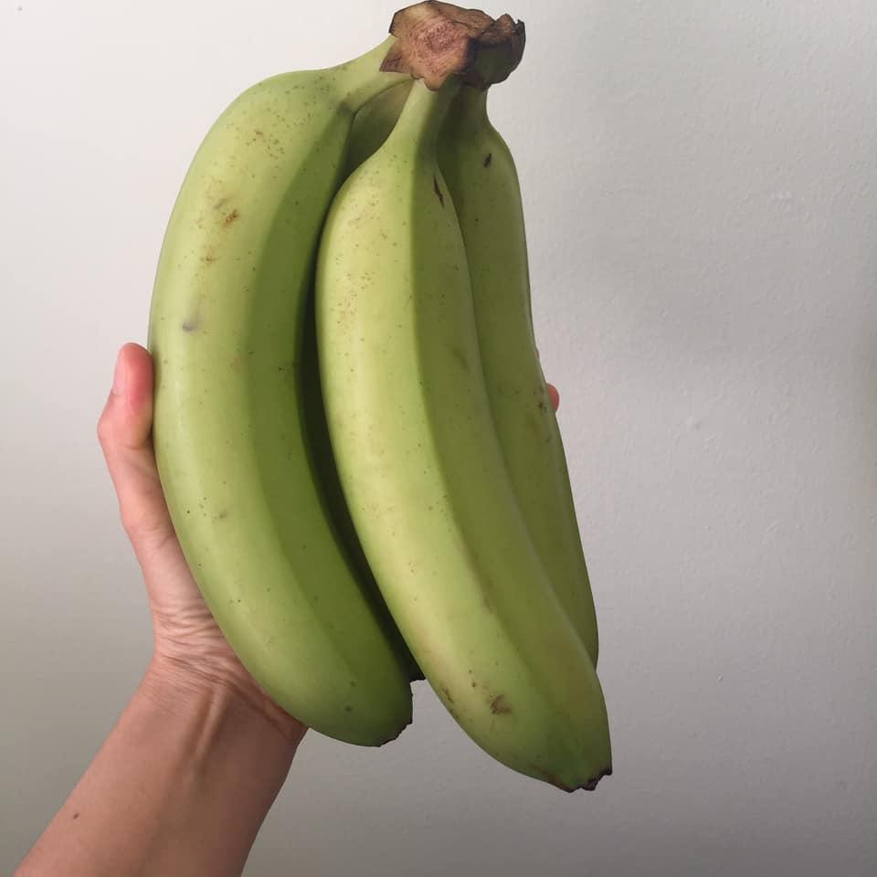 กล้วยหอมเกรดพรีเมี่ยม 4 ลูก เกรดขึ้นห้างส่งออก ลูกใหญ่หอม หวานอร่อยมากคะ พร้อมส่งนะคะ