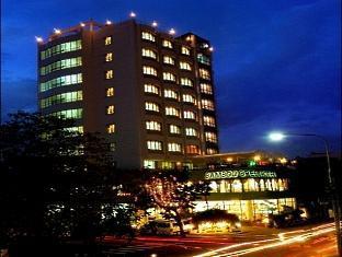 โรงแรมแบมบูกรีนเซ็นทรัล (Bamboo Green Central Hotel)