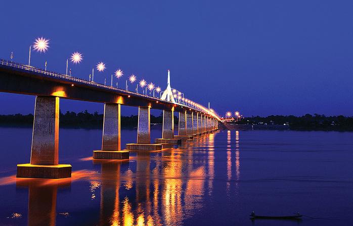 สะพานมิตรภาพ ไทย-ลาว แม่น้ำโขง มุกดาหาร-สะหวันนะเขต แห่งที่ 2