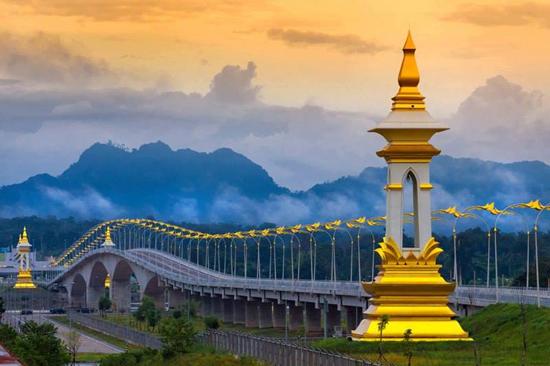 สะพานมิตรภาพ ไทย-ลาว 3 อีกหนึ่งสะพานสวยในสยามประเทศ