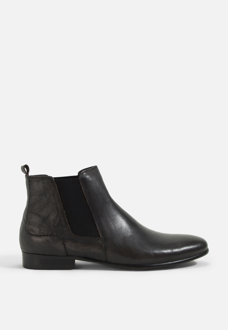 Chelsea Leather Boot Almond toe with elastic and leather lining for extra comfort durable