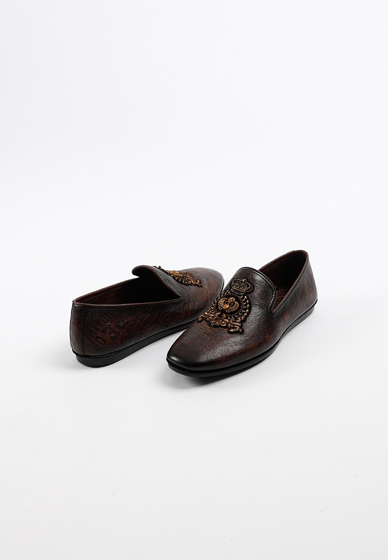 Classy Design  Slip on Leather loafer with embrodierty in Brown