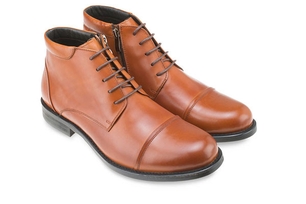 LEATHER CAPTOE DERBY BOOTS - MAC & GILL