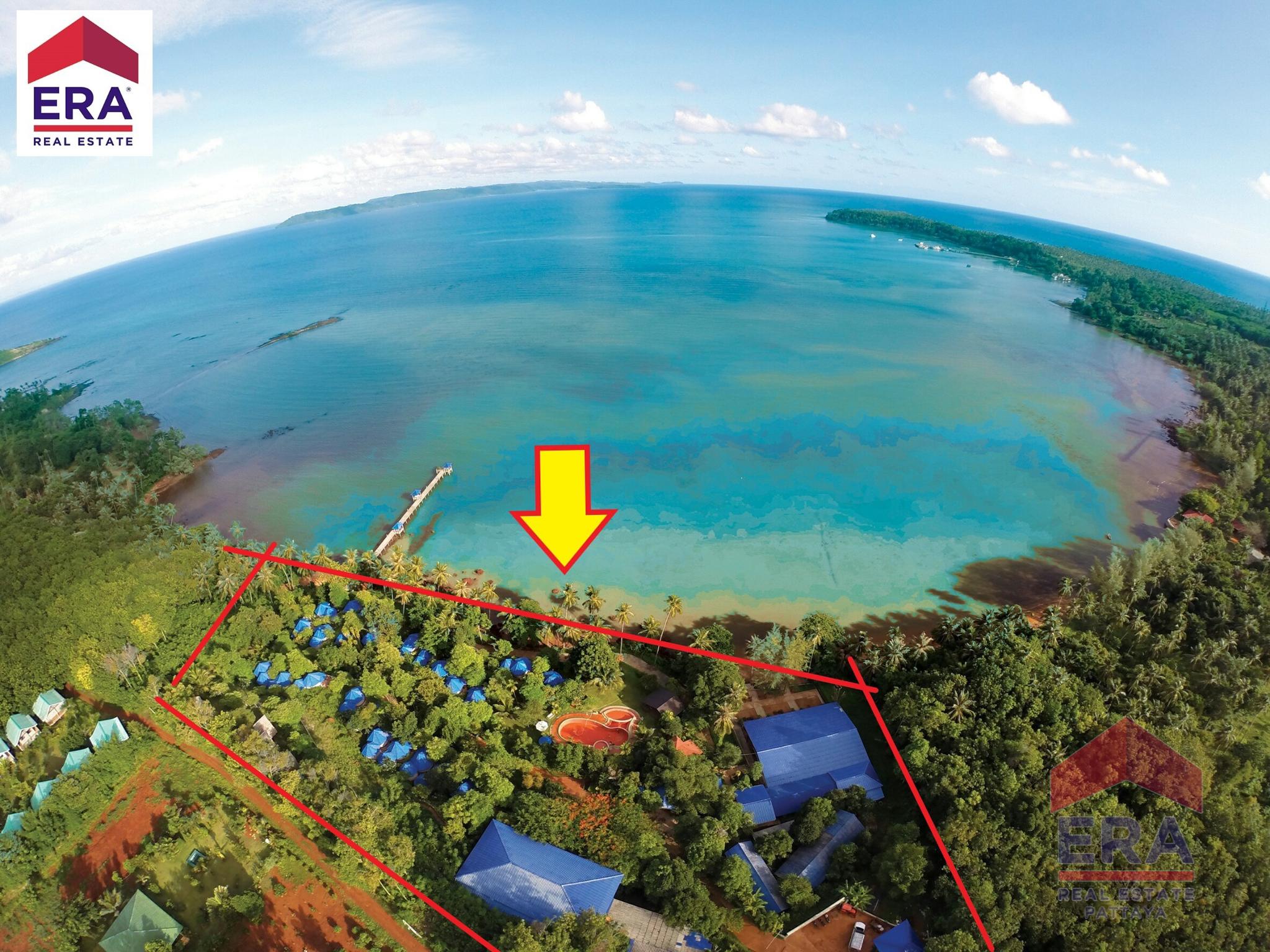 ขายโรงแรม รีสอร์ท มีใบอนุญาตโรงแรม บนเกาะหมาก  Rare Income Property Opportunity:Profitable, Turnkey Island Resort For Sale. Buri Hut Natural Resort.