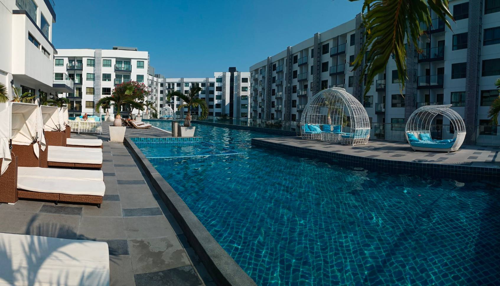 Resell the Acadia Beach Continental Pattaya project.