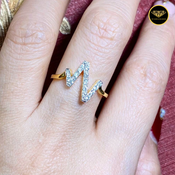 The special line diamond ring R0018G10KPW RS47-60
