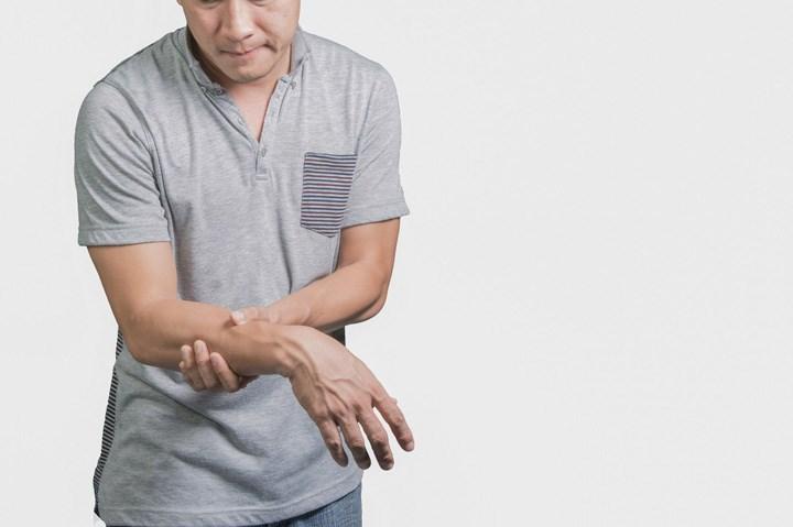 สารสกัดกัญชากับผู้ป่วยพาร์กินสัน และการใช้แบบไมโครโดสที่ปลอดภัย