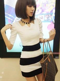 [[สินค้าขายแล้ว]] ชุดเดรสเสื้อขาวกระโปรลายงสลับขาวดำ