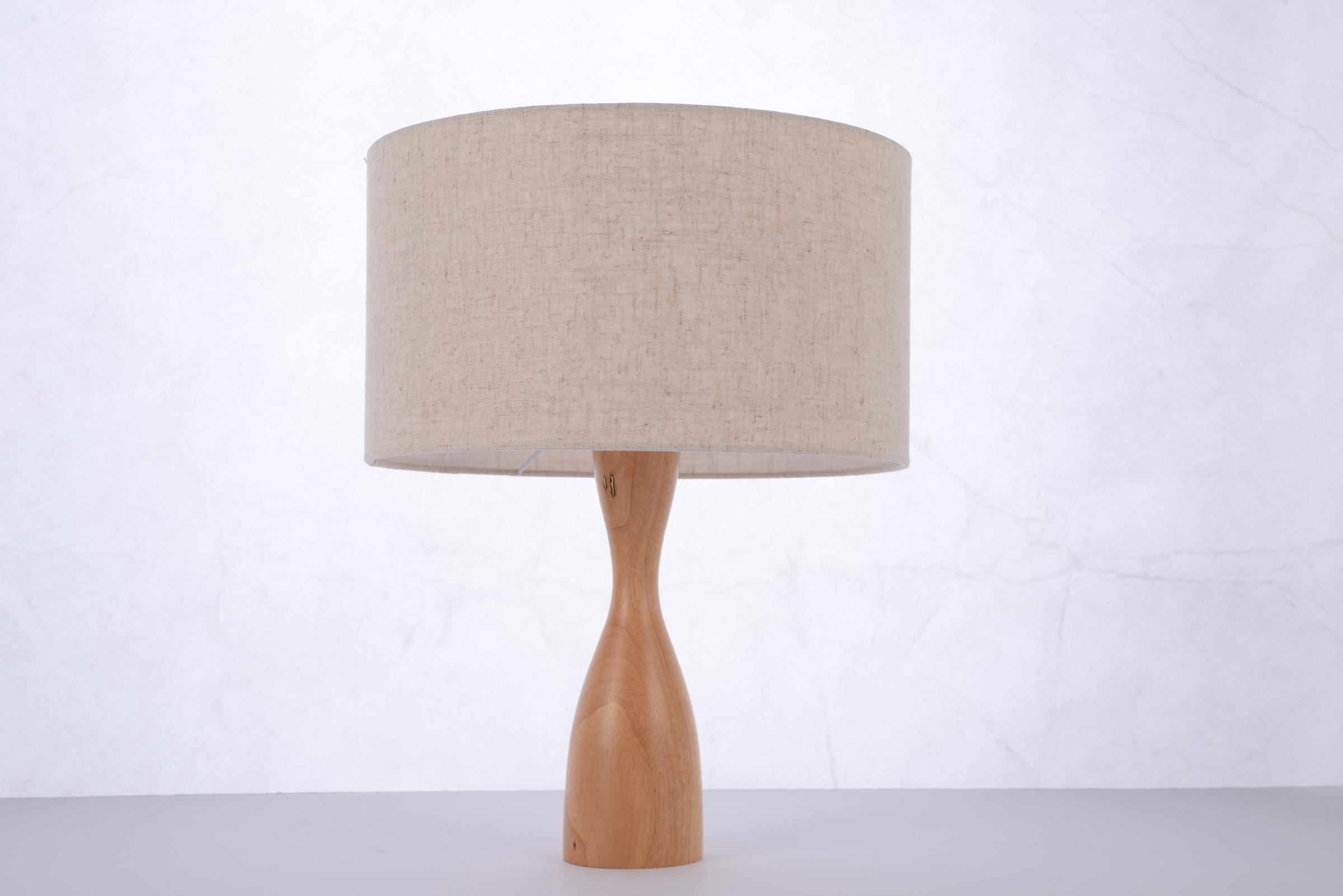 โคมไฟตั้งโต๊ะ 65015