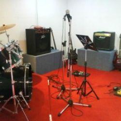 ห้องซ้อมดนตรี RED ROOM