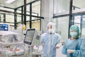 """เด็กแรกเกิดต้องรอด"""" โครงการจัดซื้ออุปกรณ์สำหรับทารกแรกเกิดที่แม่ติดเชื้อโควิด-19  จาก """"โรงพยาบาลเด็ก"""""""