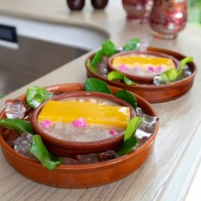 โรงแรมรีเจนท์ชะอำ-โรงแรมวาลาหัวหิน ร่วมขับเคลื่อนเพชรบุรีสู่เมืองสร้างสรรค์ด้านอาหาร