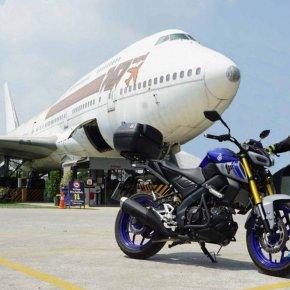 Yamaha MT-15 สปอร์ตเน็คเก็ต ปะทะ คาเฟ่ลอยฟ้า 747