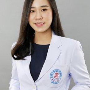 贾靖雯 中医师