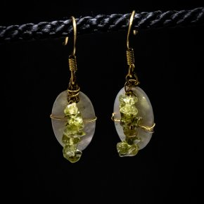 Earring precious stones for travellers