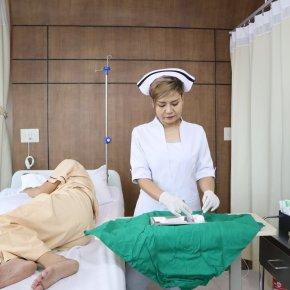 บริการดูแลผู้ป่วยโรคมะเร็งหลังการให้ยาเคมีบำบัด - รพ.ผู้สูงอายุ Chersery Home