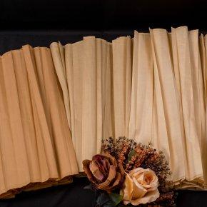 สไบรอง ผ้าไหมอัดพลีท เฉดสี ทอง
