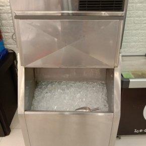 ออกแบบติดตั้งตรวจเช็คซ่อมระบบเครื่องทำน้ำแข็ง
