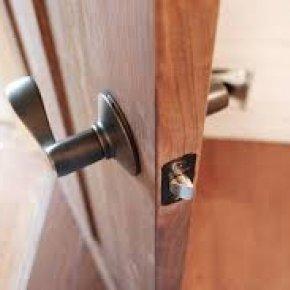 การเลือกใช้บานประตูภายในสำหรับบ้านของคุณ