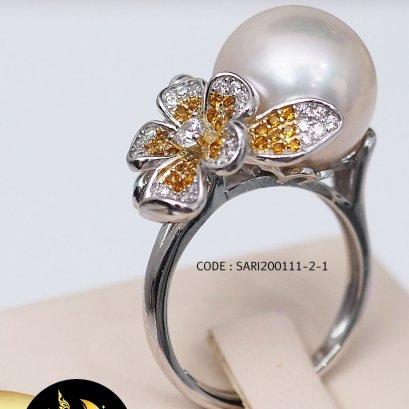 แหวนดอกป๊อปปี้มุก Edison เม็ดเดี่ยว สีขาว ขนาด 11.5-12 mm เกรด AA+ ตัวเรือนเงินแท้ 92.5 ชุบ two tone ทอง-ทองคำขาว ประดับเพชร / SN0250YR706