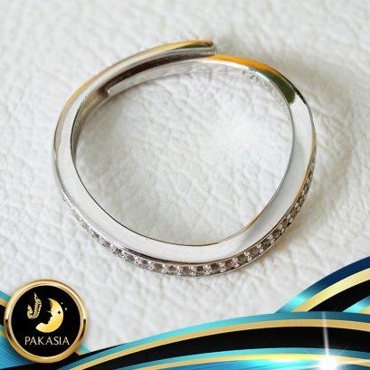 อะไหล่ตัวเรือนแหวนมงกุฎประดับพลอยแท้ White Topaz ตัวเรือนเงินแท้ 92.5 ประดับพลอยแท้ White Topaz ตัวเรือนแหวนปรับขนาดได้ตั้งแต่ 50-60  ตัวเรือนมี 3 สีให้เลือก คือ สีทอง สีทองคำขาว และสี Pink Gold