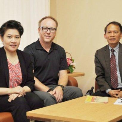 """นักวิจัยชาวอังกฤษเสนอภาครัฐไทยหนุน """"ครอบครัวอุปถัมภ์"""" ลดวิกฤตเด็กกำพร้า"""