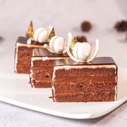 Chocolate Fudge - Slice Cake