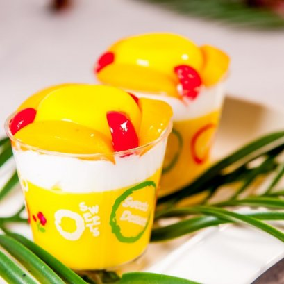 Egg Pudding with Peach Fruits