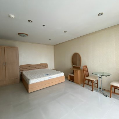 Lumpini Park View / STUDIO ROOM / 40 SQM.