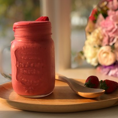 Keto mixed berry smoothie bangkok low sugar