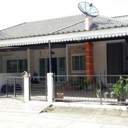 บ้านแฝด หมู่บ้านประภัสสร8 เฟต 3