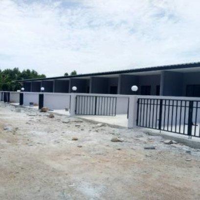 Single storey townhome for sale, Huay Yai, corner room