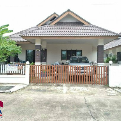 Townhouse for sale in Lanna Village Location Mapyangphon, price 2.1 million baht