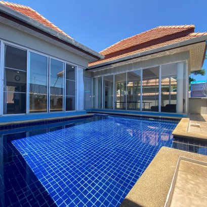 Village Paradise Hill Villa 3, size 131 square meters, 5 bedrooms, 6 bathrooms, swimming pool.