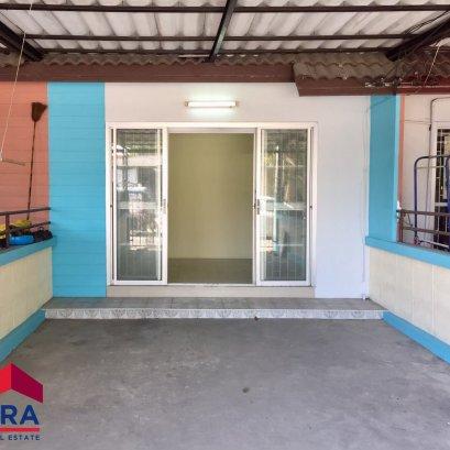 Urgent sale! Single-storey townhouse Near Ang Silakad Bangsaen, area 17 sq m. 1 bedroom, 1 bathroom, 1 hall