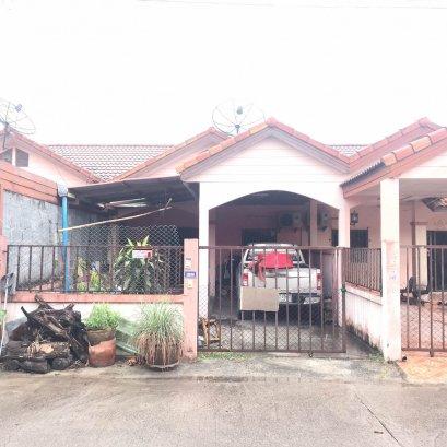 House for sale Good location, cheap price Xshell Modern Home Village Bo Win Huai Prap