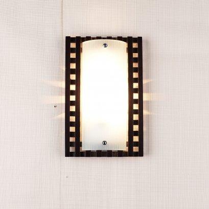 โคมไฟกิ่งใน M8022
