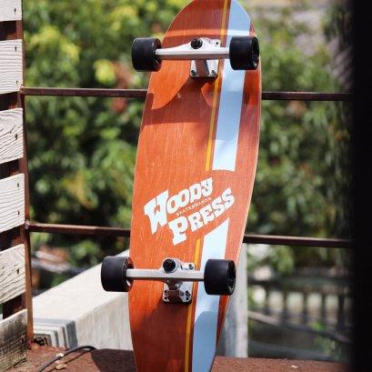 """WOODYPRESS 32"""" CARVING SURFSKATE / Brown"""