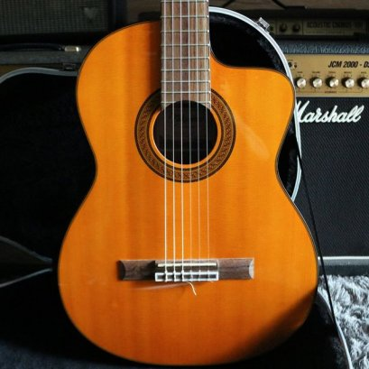 Takamine GC5CE-NAT Acoustic Electric Classical Cutaway Natural (1.9kg)