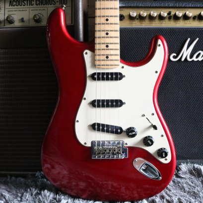 Fender American Special 2010 Candy Apple Red (3.6kg)