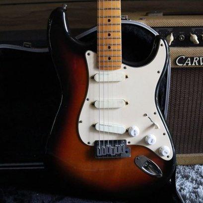 Fender Strat Plus deluxe 1989 Sunburst Maple (3.7kg)
