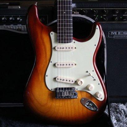 Fender American Deluxe Stratocaster Sienna Sunburst 2007 (4.1kg)