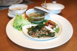 """""""เสน่ห์จันทน์"""" รังสรรค์มื้อกลางวันตำรับไทย อิ่มอร่อยครบรส"""