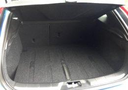 วอลโว่ V40 T4 Facelift พรีเมี่ยมแฮทช์แบ็ค 5 ประตู