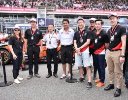"""บริดจสโตน เปิดประสบการณ์พาเชียร์ติดขอบสนามการแข่งขัน """"Super GT 2017"""""""